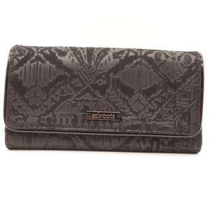 NWT SAKROOTS Arcadia Black Velvet Trifold Wallet